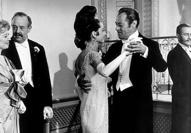 audrey-hepburn-and-rex-harrison-in-my-fair-lady-1964-2